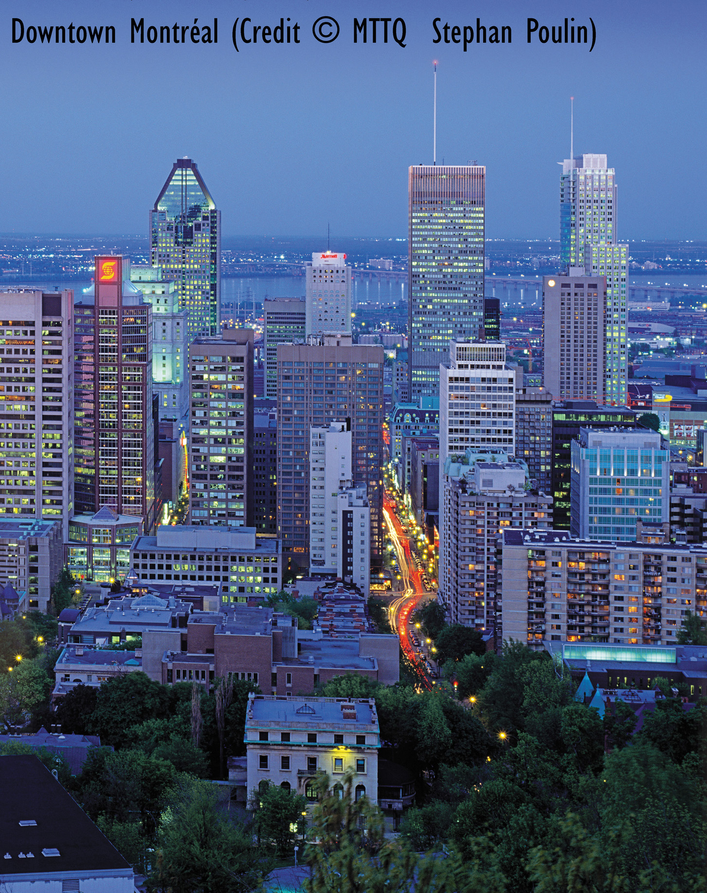 Downtown Montreal (credit: MTTQ Stephan Poulin)